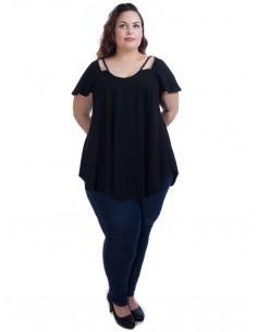 Camiseta negra detalle escote