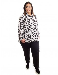 Blusa con estampado animal print